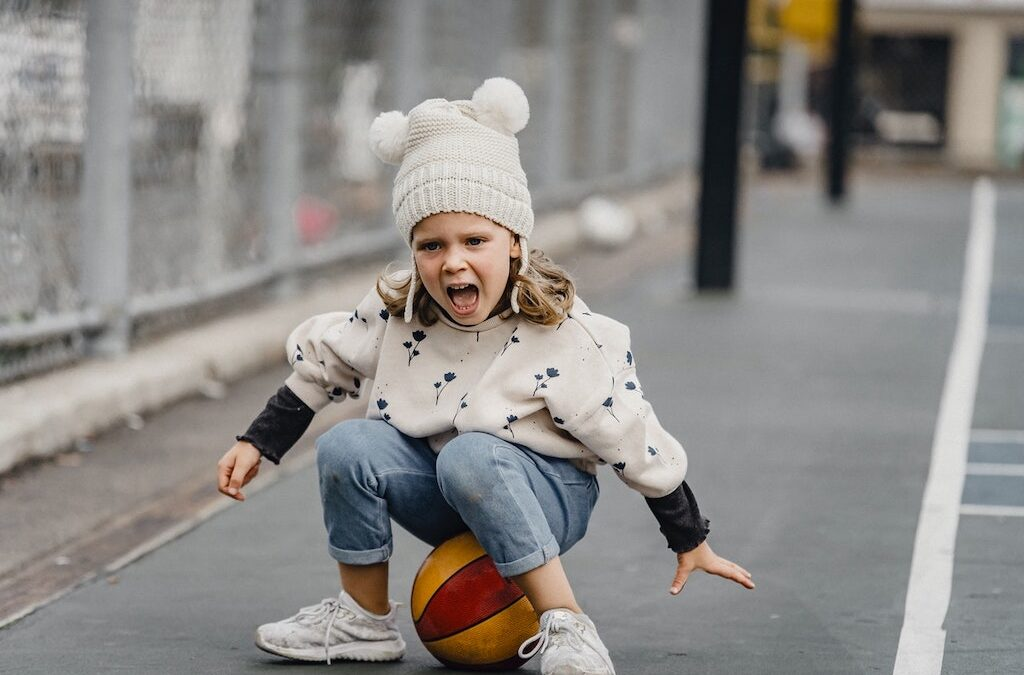 4 Ways To Encourage Your Child To Play Outside