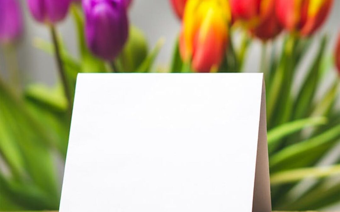 A Thoughtful Woman's Guide on What to Write In a Greeting Card